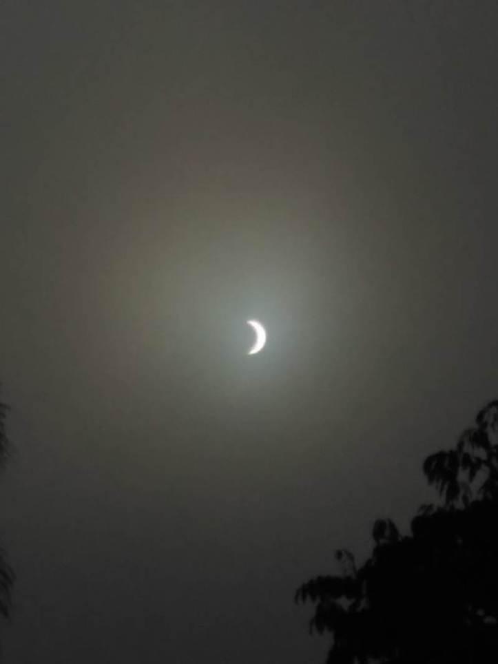 Gerhana Matahari Total 9 Maret 2016: Yogyakarta, Indonesia. Pukul 07:33. Faturfzi/Twitter